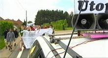 Betoging voor het verder bestaan van Utopia op FM, mei 2004